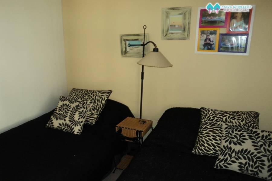 Pinamar,Buenos Aires,Argentina,3 Bedrooms Bedrooms,2 BathroomsBathrooms,Apartamentos,MEDUSAS ,5700