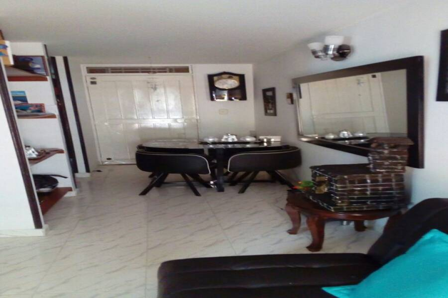 Cali,Valle del Cauca,Colombia,2 Bedrooms Bedrooms,2 BathroomsBathrooms,Apartamentos,U. R. PALMARES DE SALOMIA,44,1,5710