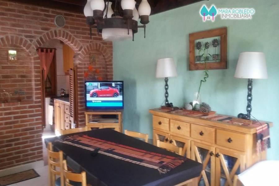 Pinamar,Buenos Aires,Argentina,2 Bedrooms Bedrooms,2 BathroomsBathrooms,Duplex-Triplex,DE LA CORVINA,5722