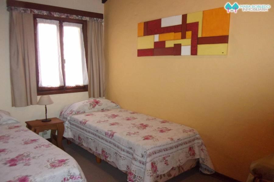 Pinamar,Buenos Aires,Argentina,3 Bedrooms Bedrooms,2 BathroomsBathrooms,Duplex-Triplex,DEL CAZÓN,5723