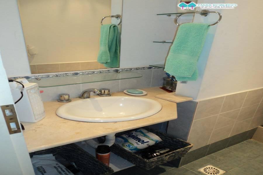 Pinamar,Buenos Aires,Argentina,3 Bedrooms Bedrooms,2 BathroomsBathrooms,Duplex-Triplex,MEDUSAS ,5724