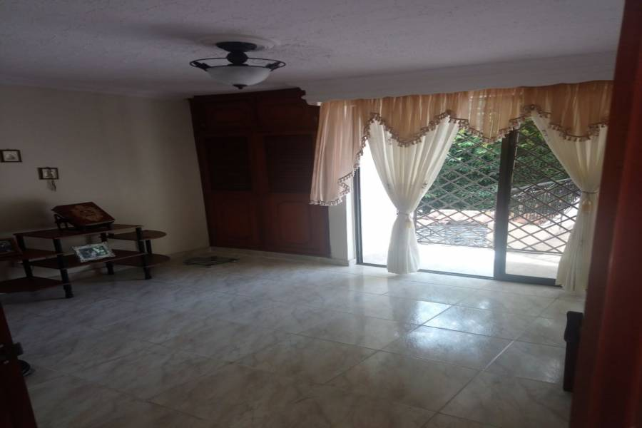 Cali,Valle del Cauca,Colombia,6 Bedrooms Bedrooms,5 BathroomsBathrooms,Casas,2,5741