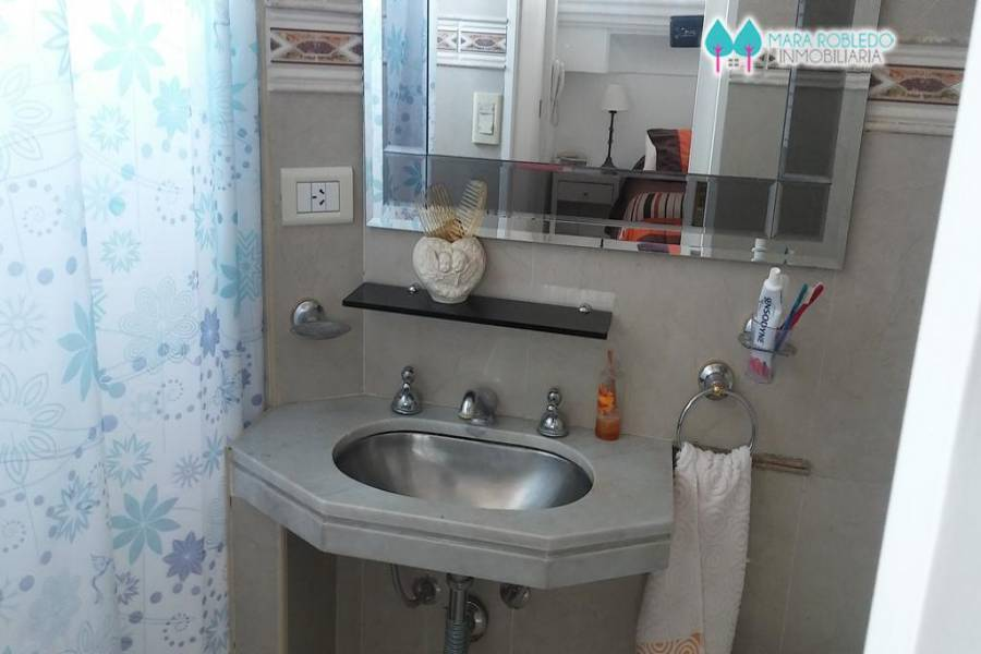 Pinamar,Buenos Aires,Argentina,3 Bedrooms Bedrooms,2 BathroomsBathrooms,Apartamentos,AV. BUNGE,3,5746