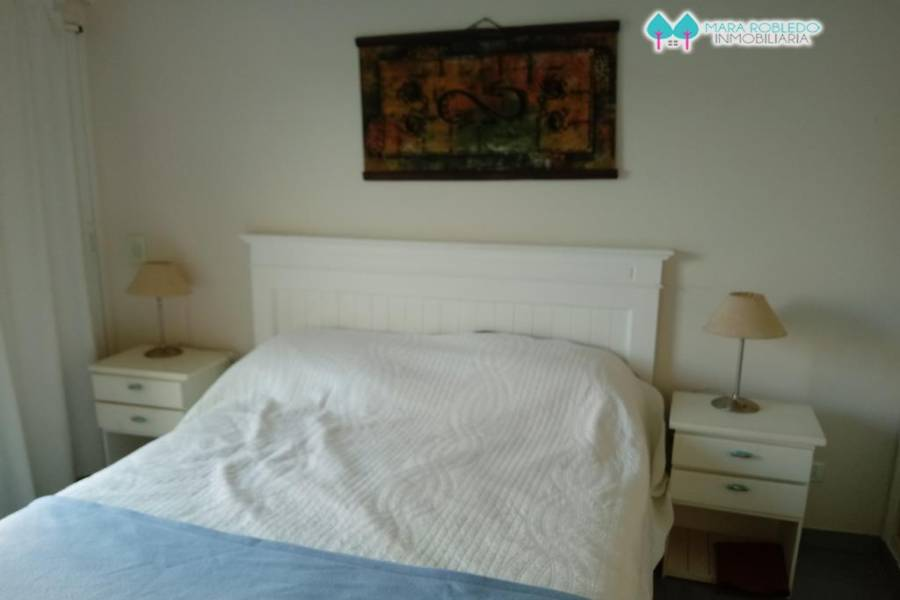 Pinamar,Buenos Aires,Argentina,2 Bedrooms Bedrooms,2 BathroomsBathrooms,Apartamentos,Av. Libertador,5752