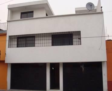 4 Garajes, Col. Federal Casa en Venta con 2 Depas