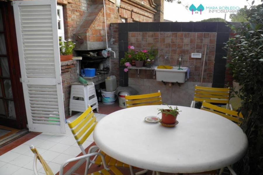 Pinamar,Buenos Aires,Argentina,3 Bedrooms Bedrooms,2 BathroomsBathrooms,Duplex-Triplex,DEL CARACOL ,5798
