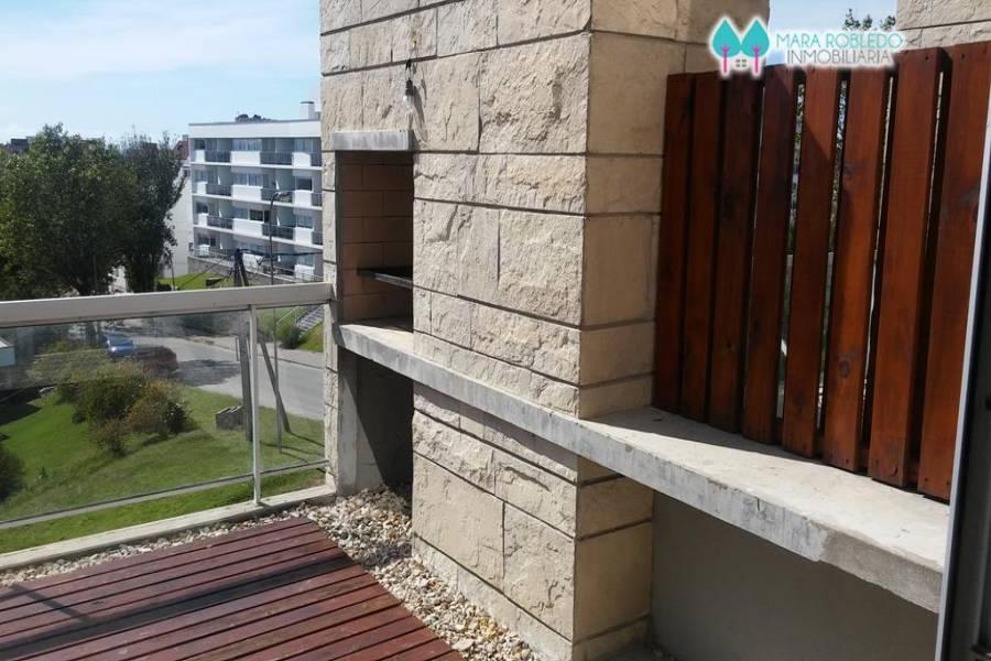 Pinamar,Buenos Aires,Argentina,3 Bedrooms Bedrooms,3 BathroomsBathrooms,Duplex-Triplex,EOLO,2,5810