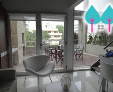 Pinamar,Buenos Aires,Argentina,2 Bedrooms Bedrooms,2 BathroomsBathrooms,Duplex-Triplex,EOLO Y DEL ODISEO,5814