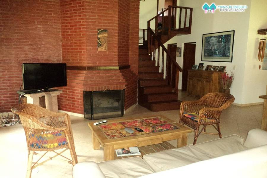 Carilo,Buenos Aires,Argentina,4 Bedrooms Bedrooms,3 BathroomsBathrooms,Casas,PALMERA ,5895