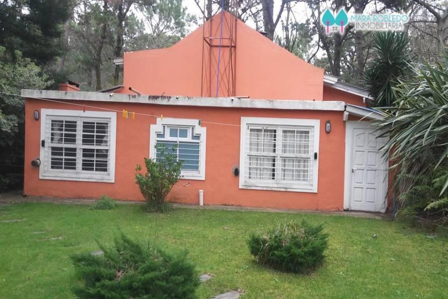 Carilo,Buenos Aires,Argentina,4 Bedrooms Bedrooms,3 BathroomsBathrooms,Casas,PALMERA Y CHORLO,5898