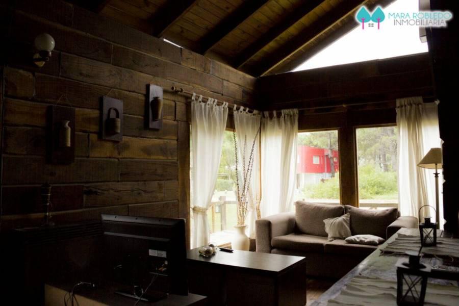 Carilo,Buenos Aires,Argentina,3 Bedrooms Bedrooms,1 BañoBathrooms,Cabañas-bungalows,SEQUOIA ,5899