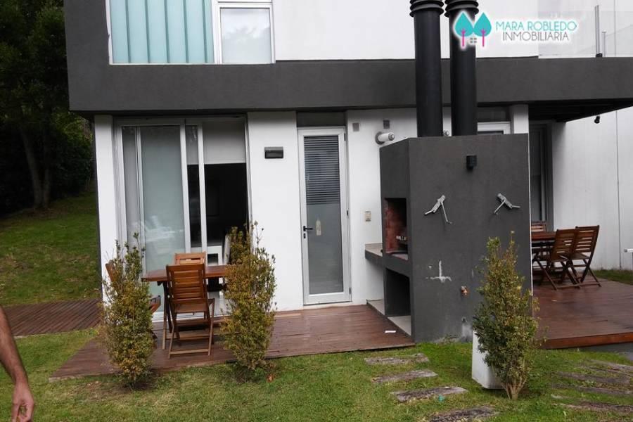 Carilo,Buenos Aires,Argentina,2 Bedrooms Bedrooms,2 BathroomsBathrooms,Duplex-Triplex,CASTAÑO ,5906