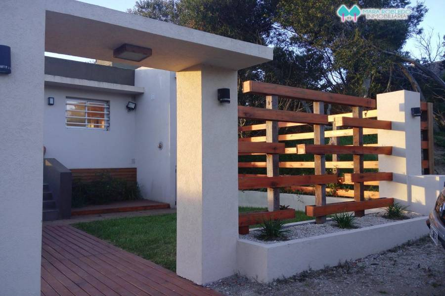 Ostende,Buenos Aires,Argentina,3 Bedrooms Bedrooms,2 BathroomsBathrooms,Casas,ROMERO,5970