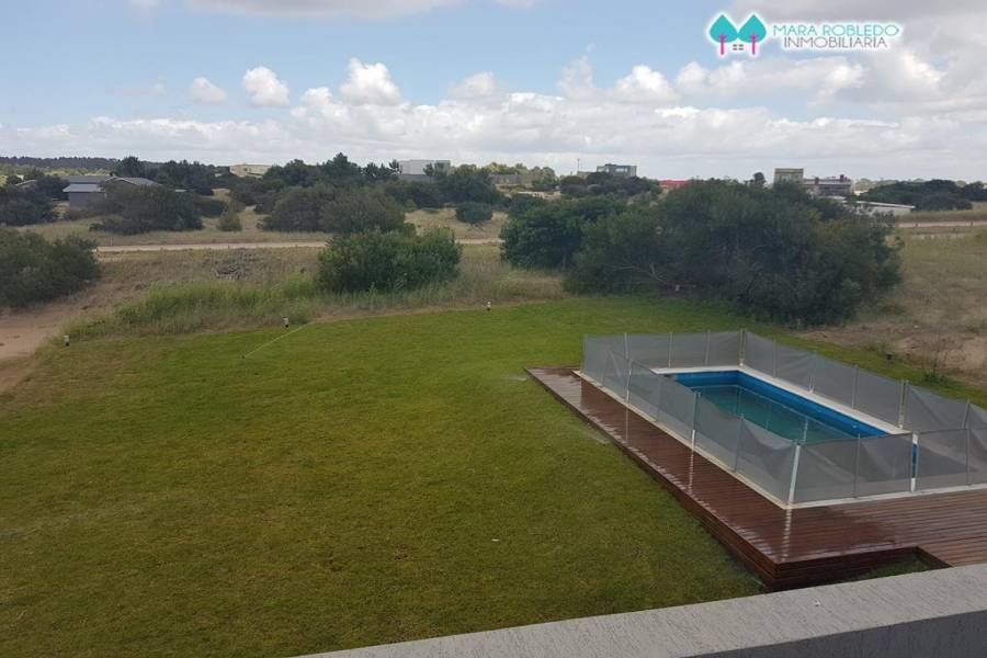 Costa Esmeralda,Buenos Aires,Argentina,4 Bedrooms Bedrooms,4 BathroomsBathrooms,Casas,GOLF 1 LOTE 135,5994