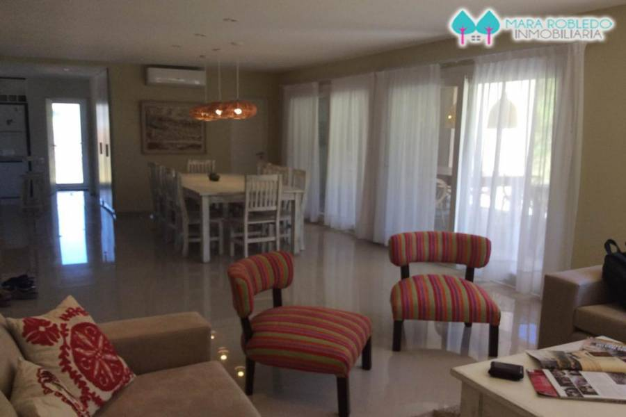 Costa Esmeralda,Buenos Aires,Argentina,4 Bedrooms Bedrooms,5 BathroomsBathrooms,Casas,RESIDENCIAL 1 LOTE 263,6036