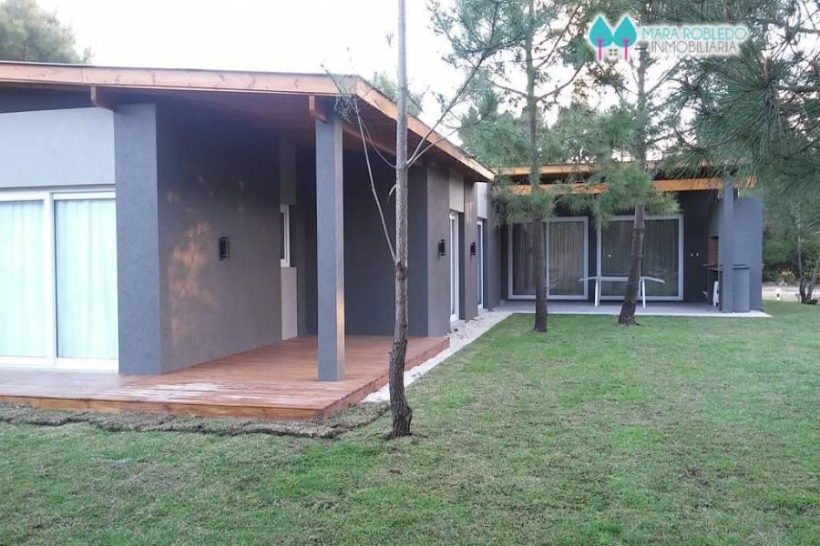 Costa Esmeralda,Buenos Aires,Argentina,4 Bedrooms Bedrooms,3 BathroomsBathrooms,Casas,RESIDENCIAL 1 LOTE 93,6046