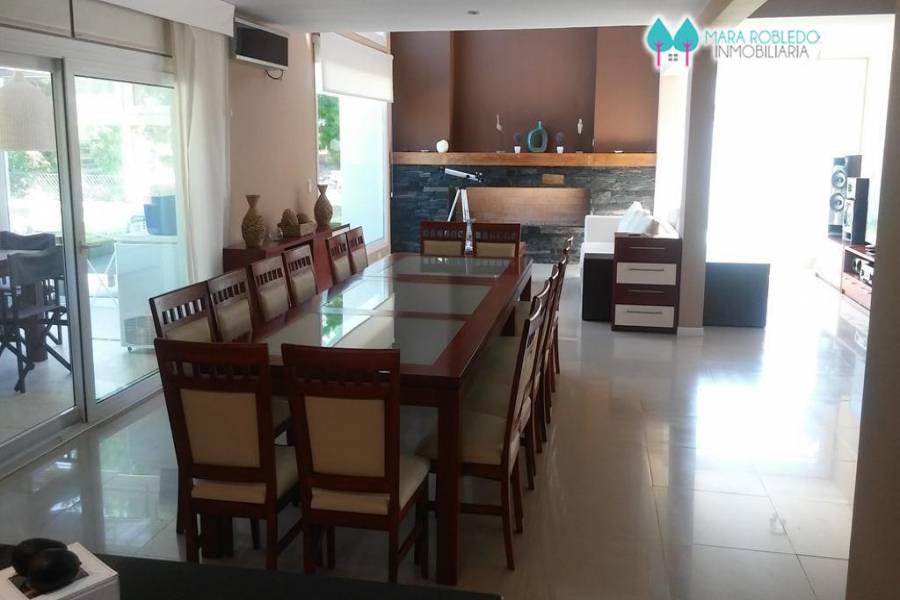 Costa Esmeralda,Buenos Aires,Argentina,6 Bedrooms Bedrooms,5 BathroomsBathrooms,Casas,RESIDENCIAL 235 ,6052