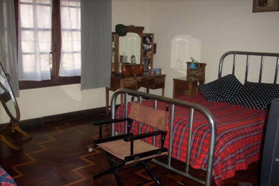 Flores,Capital Federal,Argentina,2 Bedrooms Bedrooms,1 BañoBathrooms,Casas,ZUVIRIA ,6161