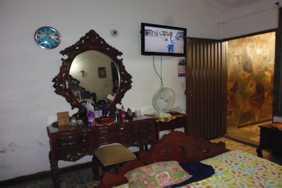 IMPERDIBLE! VER INFO...,5 Bedrooms Bedrooms,3 BathroomsBathrooms,Casas,44a norte,6170