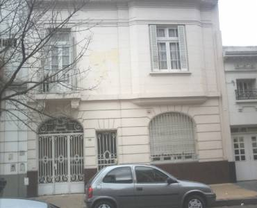 Flores,Capital Federal,Argentina,2 Bedrooms Bedrooms,1 BañoBathrooms,Casas,BILBAO,FRANCISCO,6181