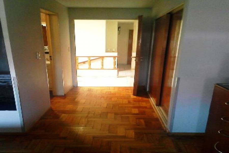 Villa Luro,Capital Federal,Argentina,2 Bedrooms Bedrooms,1 BañoBathrooms,Casas,DONIZETTI ,6186