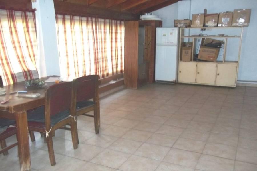 Liniers,Capital Federal,Argentina,2 Bedrooms Bedrooms,2 BathroomsBathrooms,Casas,MARTINIANO LEGUIZAMON,6199