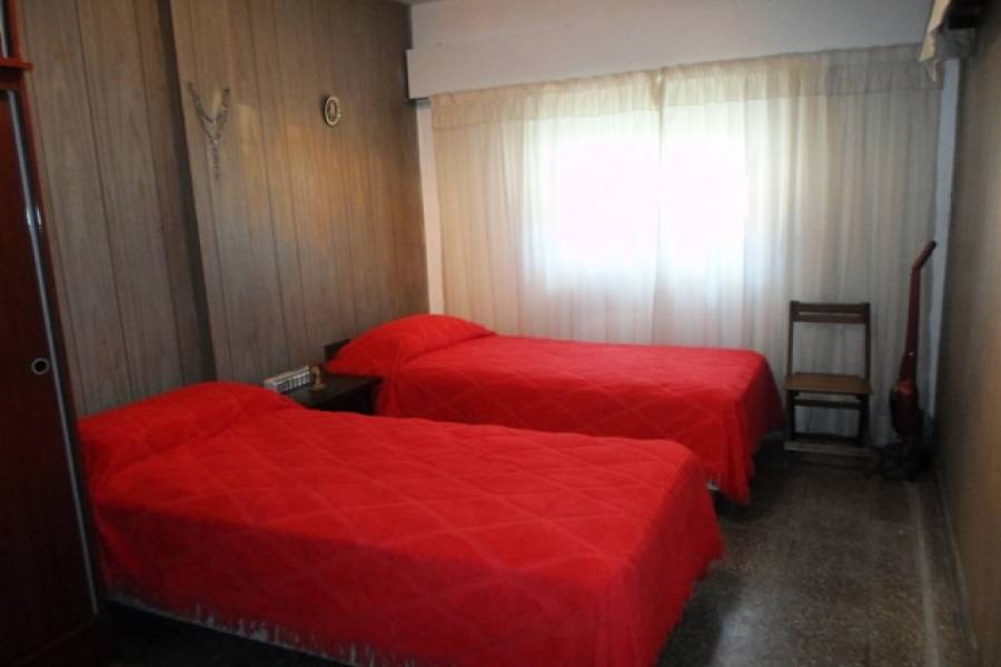 Flores,Capital Federal,Argentina,2 Bedrooms Bedrooms,1 BañoBathrooms,Casas,FERNANDEZ ,6225