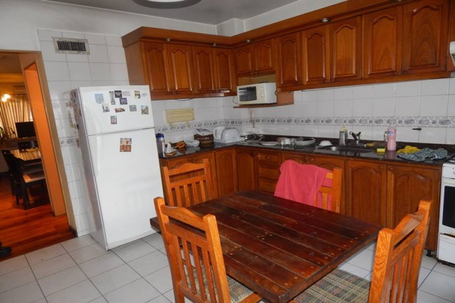 San Cristobal,Capital Federal,Argentina,3 Bedrooms Bedrooms,1 BañoBathrooms,Casas,URQUIZA,6232