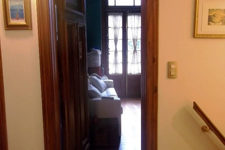 Flores,Capital Federal,Argentina,3 Bedrooms Bedrooms,1 BañoBathrooms,Casas,YERBAL ,6242