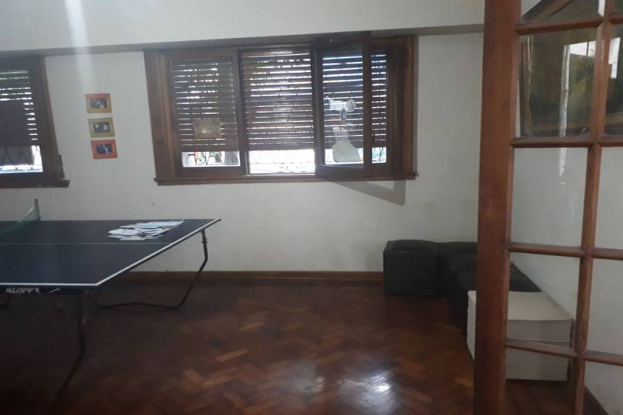 Flores,Capital Federal,Argentina,3 Bedrooms Bedrooms,2 BathroomsBathrooms,Casas,OLAYA,6249