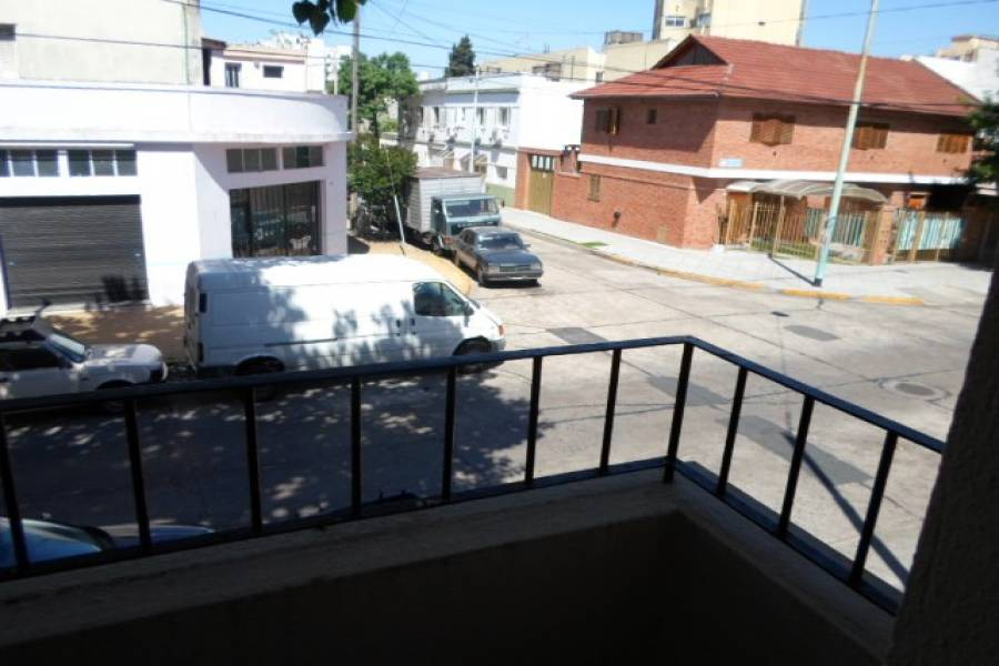 Villa Devoto,Capital Federal,Argentina,2 Bedrooms Bedrooms,1 BañoBathrooms,PH Tipo Casa,VIRGILIO,6332