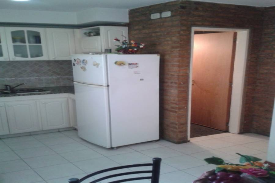 Floresta,Capital Federal,Argentina,2 Bedrooms Bedrooms,1 BañoBathrooms,PH Tipo Casa,ENSENADA ,6334