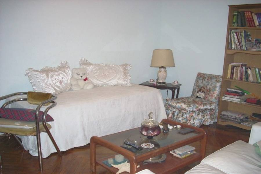 Flores,Capital Federal,Argentina,2 Bedrooms Bedrooms,1 BañoBathrooms,PH Tipo Casa,RIVADAVIA ,6339