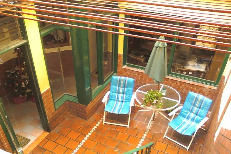 Flores,Capital Federal,Argentina,21 Bedrooms Bedrooms,1 BañoBathrooms,PH Tipo Casa,LAUTARO,6352