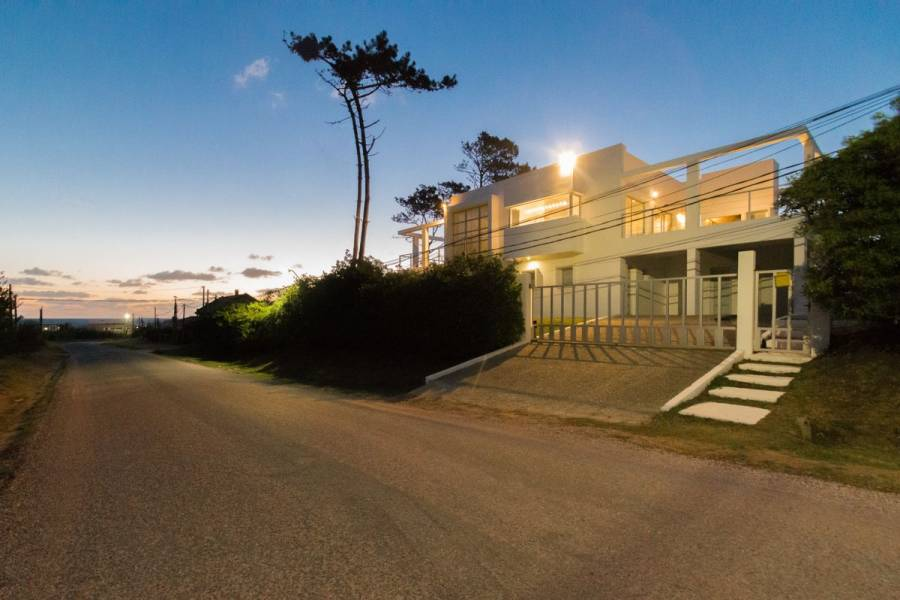 Manantiales,Maldonado,Uruguay,4 Bedrooms Bedrooms,3 BathroomsBathrooms,Casas,6363