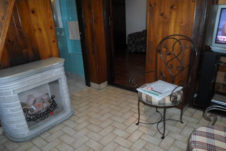 Flores,Capital Federal,Argentina,2 Bedrooms Bedrooms,1 BañoBathrooms,PH Tipo Casa,BACACAY,6415