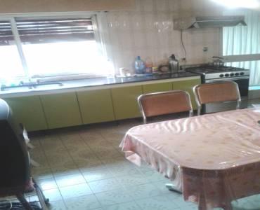Parque Patricios,Capital Federal,Argentina,2 Bedrooms Bedrooms,1 BañoBathrooms,PH Tipo Casa,CHICLANA ,6419