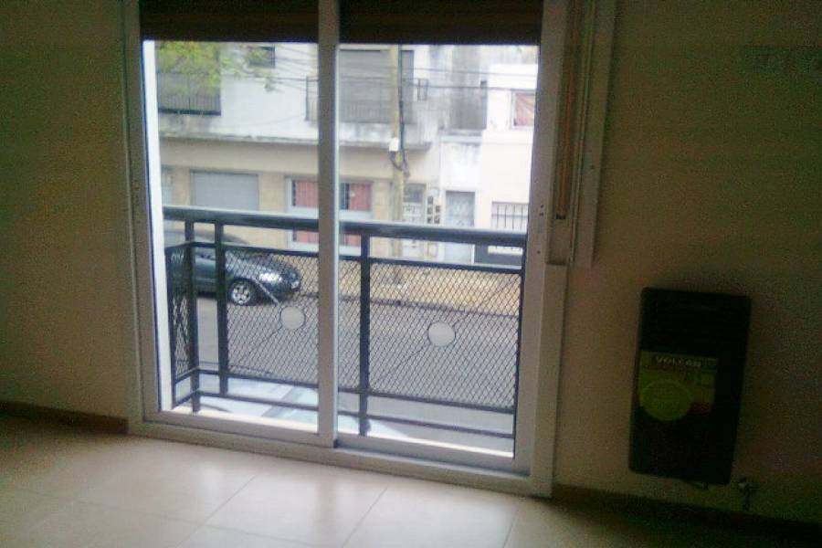 Velez Sarsfield,Capital Federal,Argentina,2 Bedrooms Bedrooms,1 BañoBathrooms,PH Tipo Casa,CESAR DIAZ ,6427