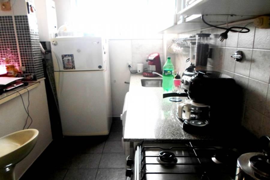Flores,Capital Federal,Argentina,3 Bedrooms Bedrooms,1 BañoBathrooms,PH Tipo Casa,CASTAÑON,6429