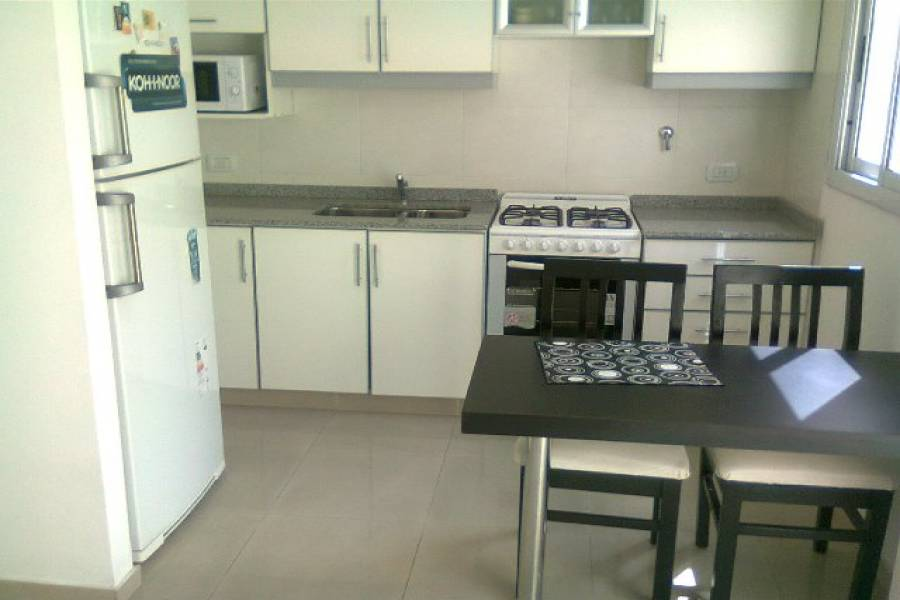 Parque Chacabuco,Capital Federal,Argentina,2 Bedrooms Bedrooms,1 BañoBathrooms,PH Tipo Casa,ALBARRACIN ,6433
