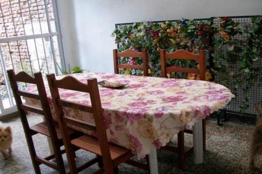 Flores,Capital Federal,Argentina,2 Bedrooms Bedrooms,1 BañoBathrooms,PH Tipo Casa,TERRERO,6466