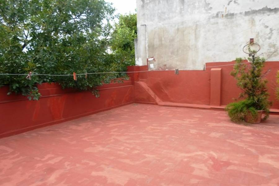 San Cristobal,Capital Federal,Argentina,2 Bedrooms Bedrooms,1 BañoBathrooms,PH Tipo Casa,ALBERTI,6468