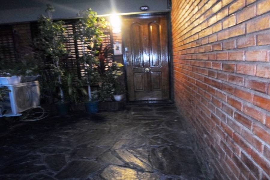 Flores,Capital Federal,Argentina,2 Bedrooms Bedrooms,1 BañoBathrooms,PH Tipo Casa,BUFANO,6474