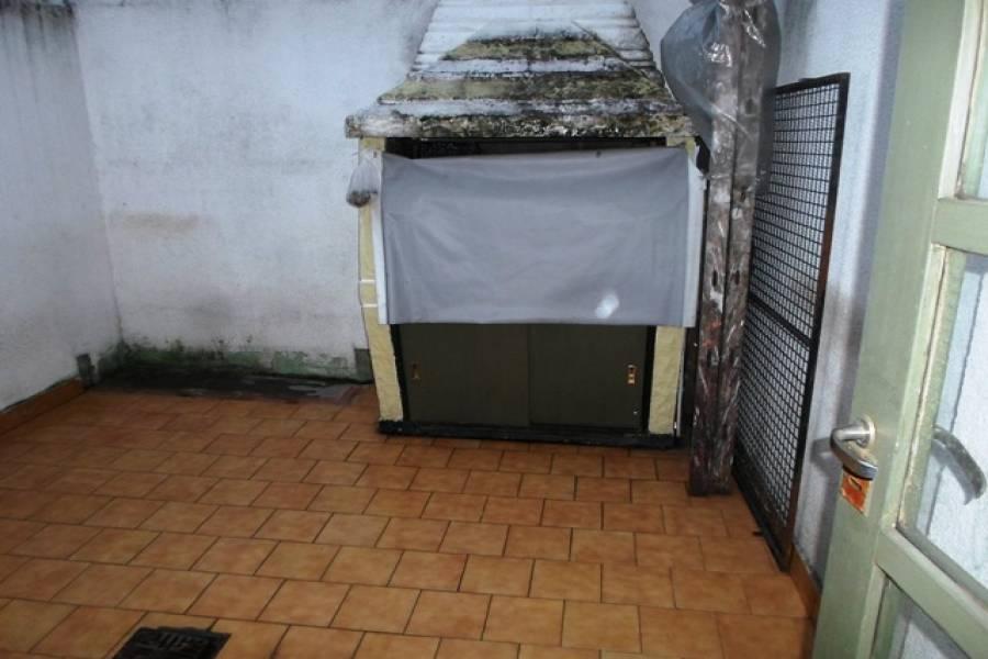 Flores,Capital Federal,Argentina,2 Bedrooms Bedrooms,1 BañoBathrooms,PH Tipo Casa,BUFANO,6475