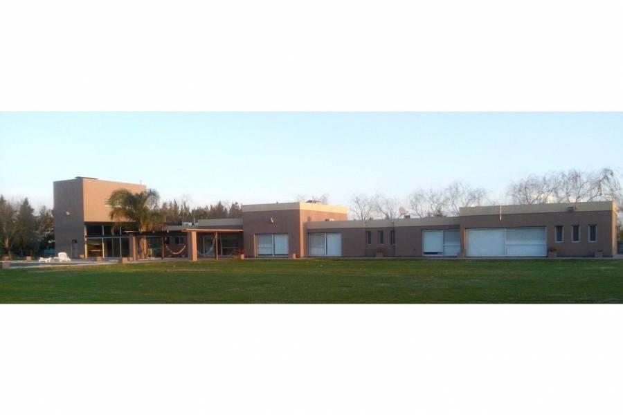 Roldan,Santa Fe,4 Habitaciones Habitaciones,4 BañosBaños,Casas,Barrio Cerrado Chacras Los Raigales,Ruta AO12,1561