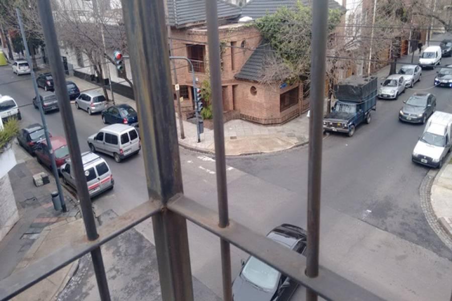 Flores,Capital Federal,Argentina,2 Bedrooms Bedrooms,1 BañoBathrooms,PH Tipo Casa,JOSE MARTI ,6557
