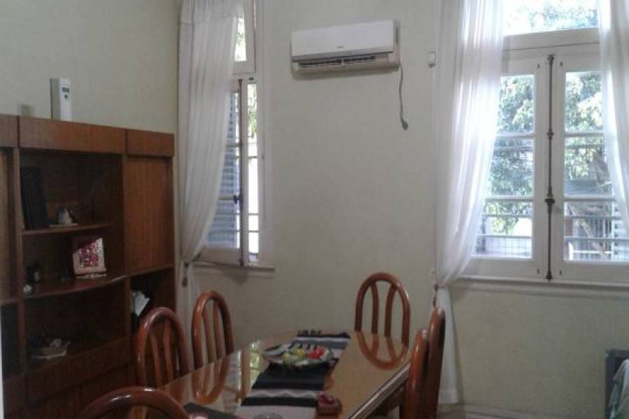 Flores,Capital Federal,Argentina,2 Bedrooms Bedrooms,1 BañoBathrooms,PH Tipo Casa,BACACAY,6564