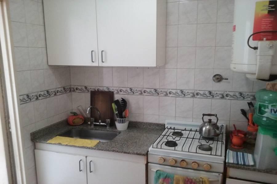 Parque Chacabuco,Capital Federal,Argentina,2 Bedrooms Bedrooms,1 BañoBathrooms,PH Tipo Casa,AVELINO DIAZ ,6570