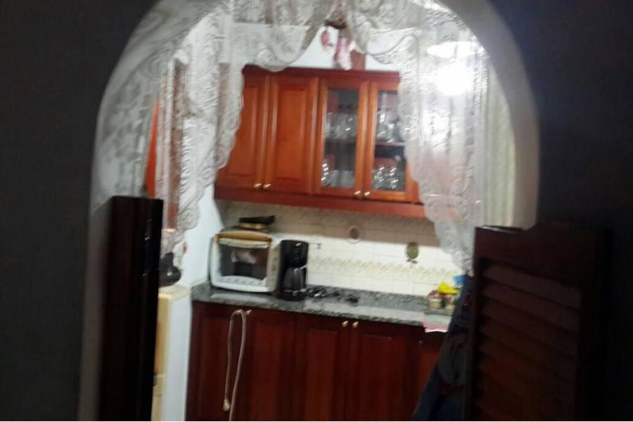 Hurlingham,Buenos Aires,Argentina,Chalets,CANUELAS,6581