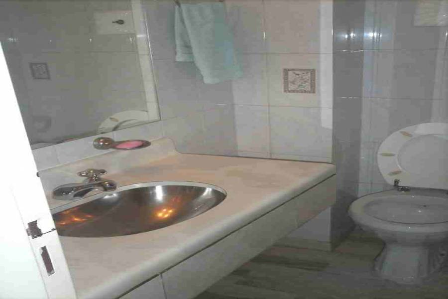 Flores,Capital Federal,Argentina,2 Bedrooms Bedrooms,1 BañoBathrooms,Apartamentos,GAVILAN ,6602